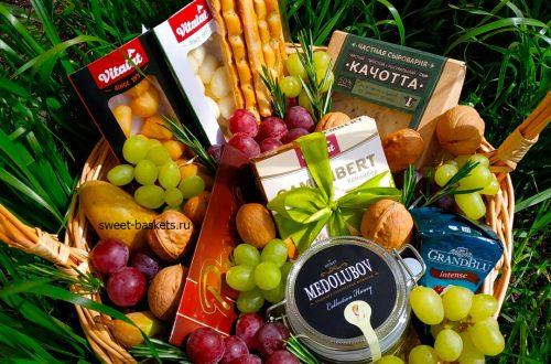 Чем хороши подарочные наборы из фруктов?